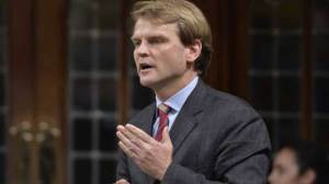 Chris Alexander suspends election campaign to focus on migrant crisis