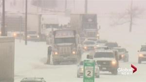 Calgary snowfall causes chaos around city