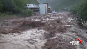 Raging floods ravage villages in Tibet