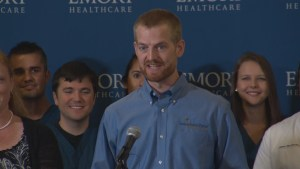 "A ""miraculous day"" for American doctor cured of Ebola"