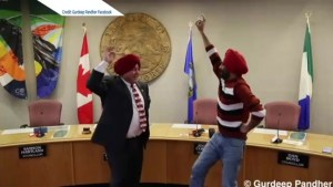Whitehorse mayor's lesson in turban tying, Bhangra dancing goes viral