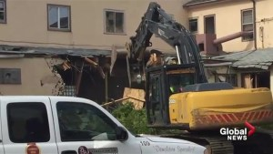 92-year-old Calmar Hotel torn down