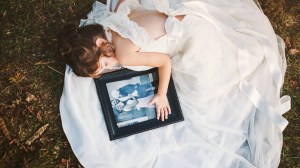 Toddler wears late mom's wedding dress in emotional photo shoot