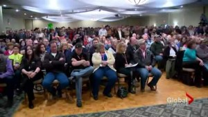 Bill 6 meeting in Lethbridge draws crowd of nearly 1000 people