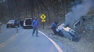 RAW: New Jersey police officers rescue unconscious woman from smoking car