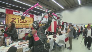 Thousands converge on Comiccon convention