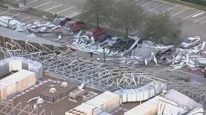 Intense weather rips roof off of building in Texas