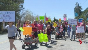 Residents of Browns Flat protest school closure