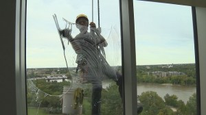 Museum challenges window cleaners with its 2.300 panes of glass