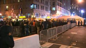 Timelapse video: Hundreds line up in Washington ahead of Donald Trump's inauguration