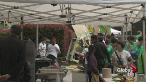 Hundreds enjoy free meal to highlight food waste issue
