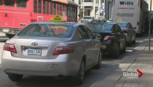 Mayor John Tory calls for new bylaw to level playing field for Uber, taxi drivers