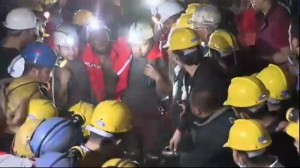 Raw video:  Rescue operations at coal mine in Turkey