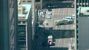 Bricks falling from downtown Calgary building