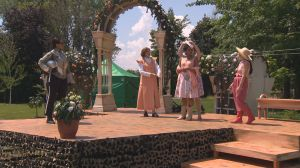 Shakespeare in a West Island park