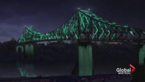 Jacques-Cartier Bridge lights up