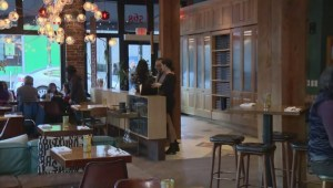 Restaurants considering reservation fees