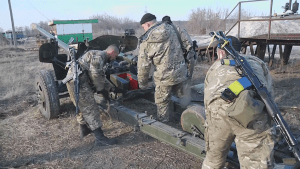 Ukraine forces withdraw heavy weaponry from front lines