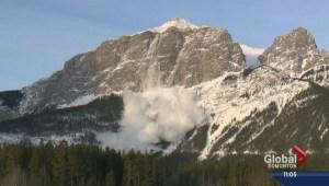 3 men caught in avalanche near Kicking Horse Mountain Resort