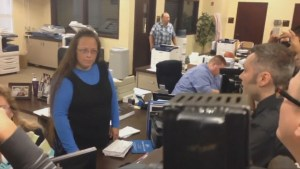 "Kentucky clerk confronted by same-sex couple, still refuses to issue marriage license under ""god's authority"""