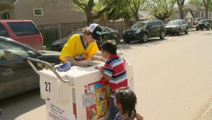 Dickie Dee ice cream tricycles chased by Regina kids and kids-at-heart for first time in 12 years