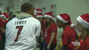 Raptors' Kyle Lowry surprises school children with holiday visit
