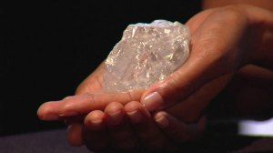 Largest diamond found in 100 years makes its debut