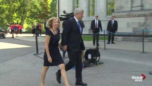 Harper enters Rideau Hall to ask governor general to dissolve Parliament to start early election