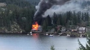 Fire destroys waterfront homes near Vancouver