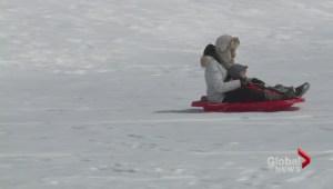 Should children wear helmets while sledding?