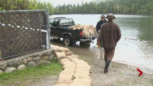 Flood-stricken Twin Lakes homeowners feel forgotten by government