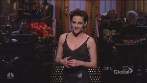Kristen Stewart calls out Donald Trump's past tweets about her in SNL monologue