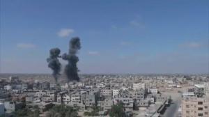 Raw video: Israeli airstrikes slam into Gaza