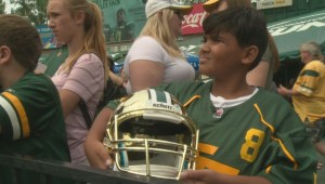 Football fans get up close and personal with Edmonton Eskimos