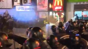 Violent clashes between police, protesters in Hong Kong