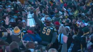 Grey Cup champion Eskimos greeted by thousands in Churchill Square
