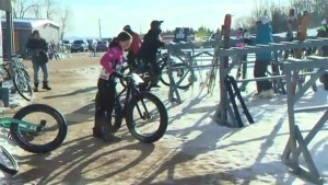 Fat mountain bike winter dual slalom race