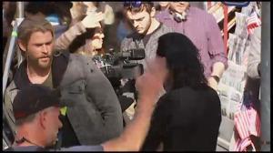 Thor stars Chris Hemsworth, Tom Hiddleston bring Brisbane to a standstill while shooting new movie
