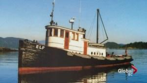 Derelict vessel in Howe Sound leaking fuel