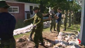 Soldiers set for big push in Manitoba before flood crest hits