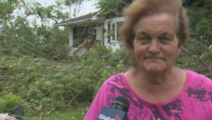 Manitoba woman describes hiding out in basement when tornado struck