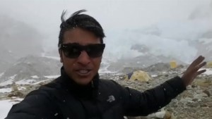 Footage of climber on Mt Makalu talks about Nepal earthquake aftershocks