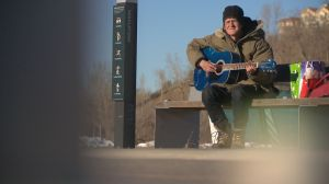 An extraordinary gift strikes a chord with a homeless musician