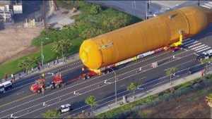 NASA moves massive fuel tank over a 25 km, California journey