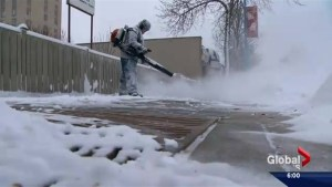 Saskatoon digs out of final snowstorm of 2016