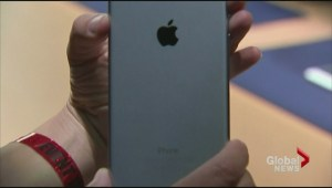 Apple launches program to replace iPhone 6 Plus with faulty camera