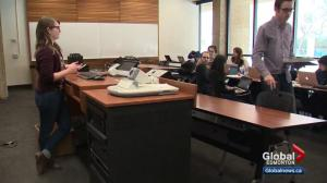 U of A law students research Trump refugee action