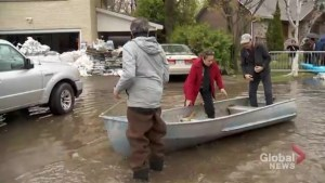 Quebec floods: Île-Bizard residents struggling with insurance claims