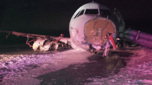 Air Canada flight 624 crash lands in Halifax