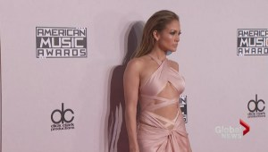 Stylist tackles the AMA red carpet fashion